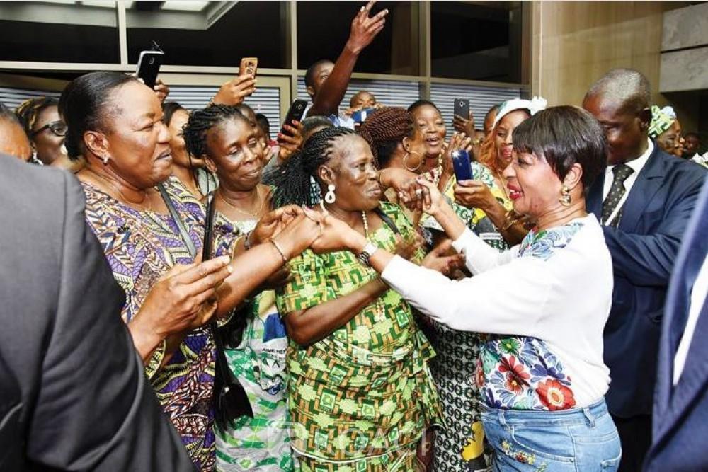 Côte d'Ivoire : Alors que son épouse est rentrée, Bédié reporte en dernière minute son retour au pays