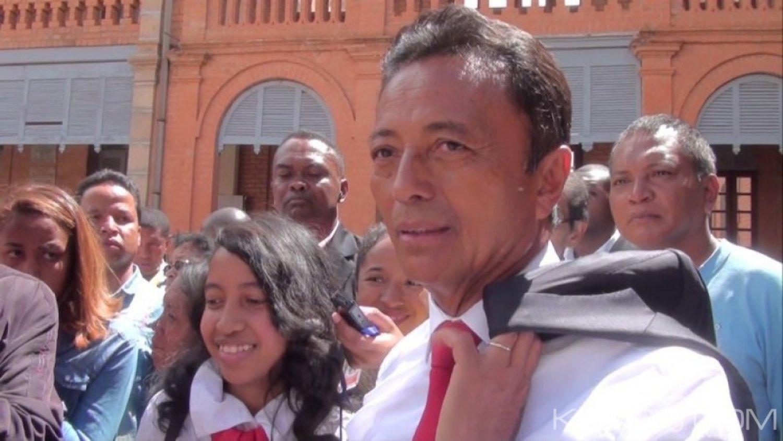 Madagascar : Débouté par la justice, Marc Ravalomanana félicite son adversaire Andry Rajaoelina