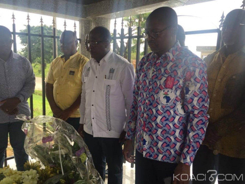Côte d'Ivoire: À l'annonce de la libération de Gbagbo, Ouegnin se recueille sur la tombe de Sangaré