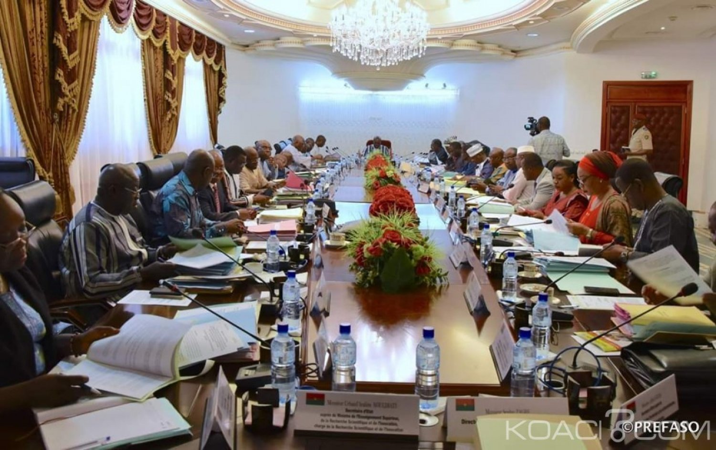 Burkina Faso : Démission du gouvernement Paul Kaba Thiéba