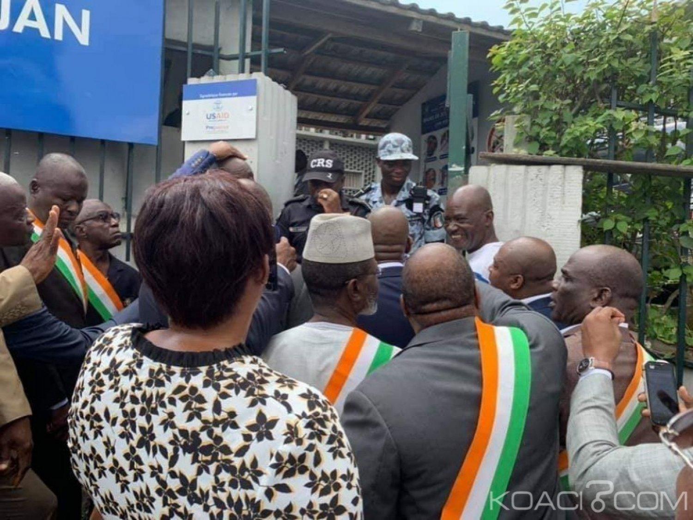 Côte d'Ivoire: Des députés venus soutenir Lobognon empêchés d'avoir accès au Palais de justice