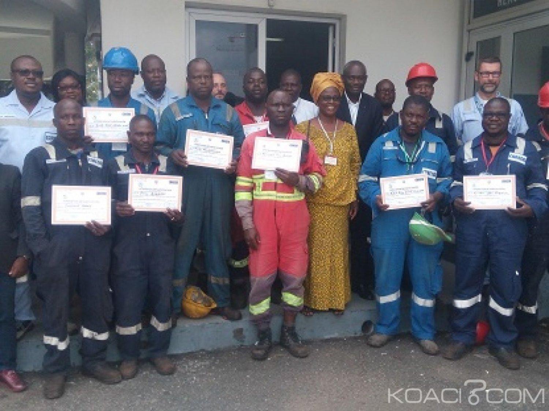 Côte d'Ivoire : Alphabétisation par le mobile, plus d'une quinzaine d'ouvriers certifiés aptes à lire et écrire après quatre mois de formation