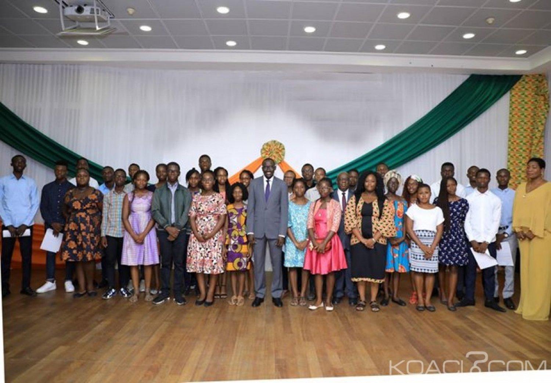 Côte d'Ivoire : Mention bien ou très bien, bourses d'étude à l'étranger pour 32 bacheliers des séries C et D