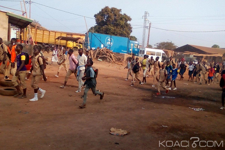 Côte d'Ivoire : Bouaké, Les élèves du privé délogent leurs camarades et accompagnent le public dans la grève