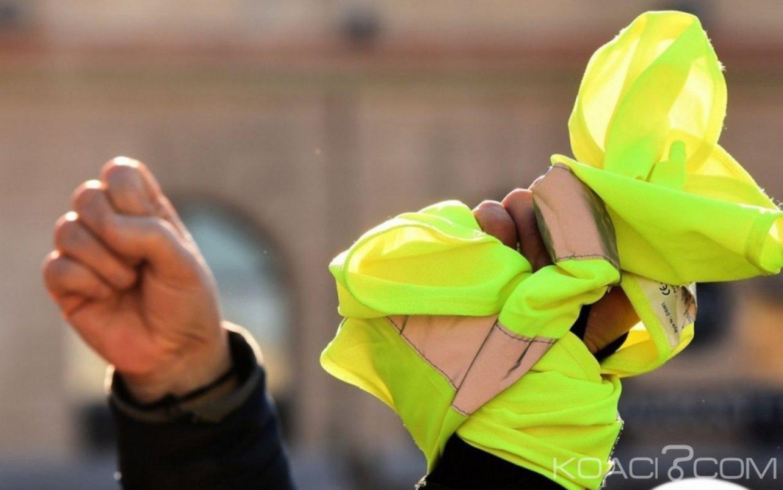 Egypte : Un avocat jeté en prison pour avoir porté un gilet jaune