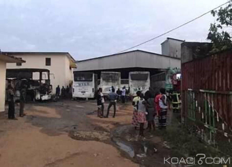 Côte d'Ivoire : Bonoua, suite à un incendie dans un garage, 5 cars de transport partent en fumée