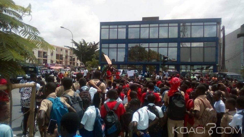 Côte d'Ivoire : A Cocody, les élèves dans les rues pour réclamer la reprise des cours