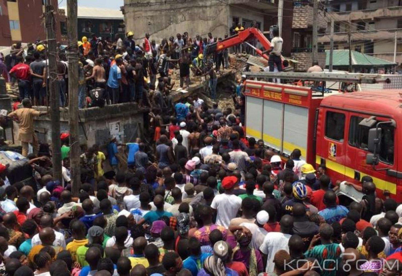 Nigeria : 10 enfants piégés dans les décombres après l'effondrement d'un immeuble à Lagos