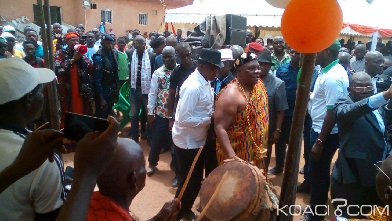 Côte d'Ivoire : Malgré l'appel du boycott d'une tête couronnée du Gbêkê, Adjoumani brise le «Poteau» prédit au palais du carnaval