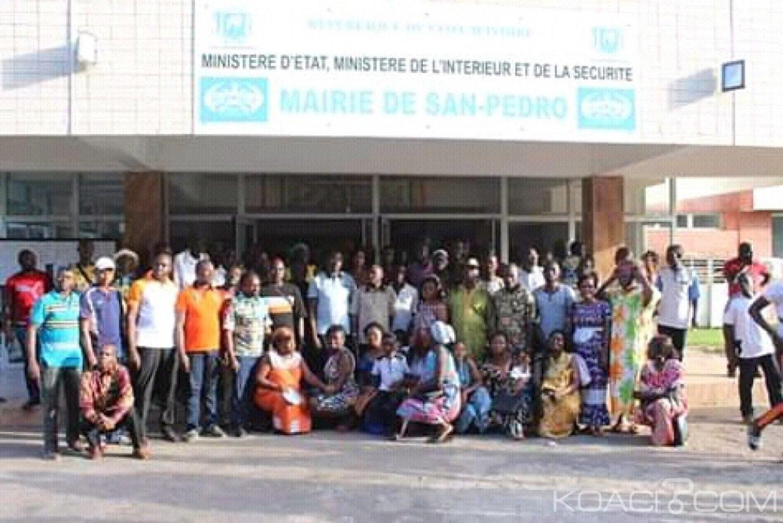 Côte d'Ivoire : San Pedro, devant le maire Anoblé Félix, les artisans démentent la rumeur de désobéissance fiscale