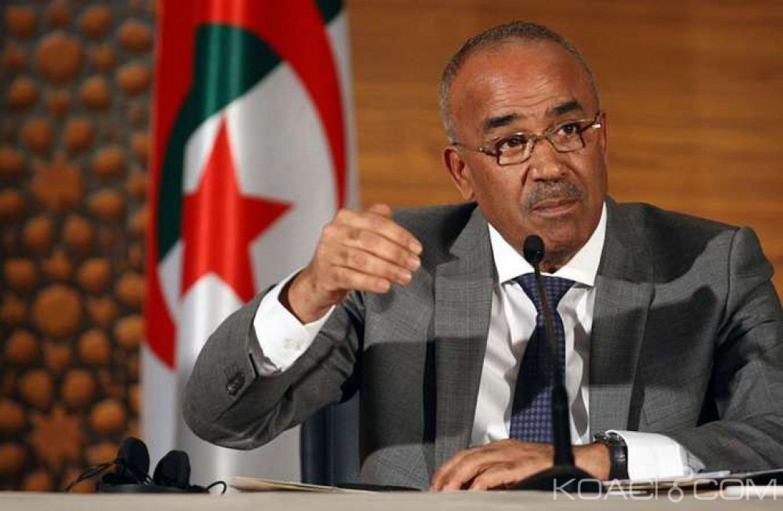 Algérie : Contesté, Bouteflika nomme son gouvernement de transition