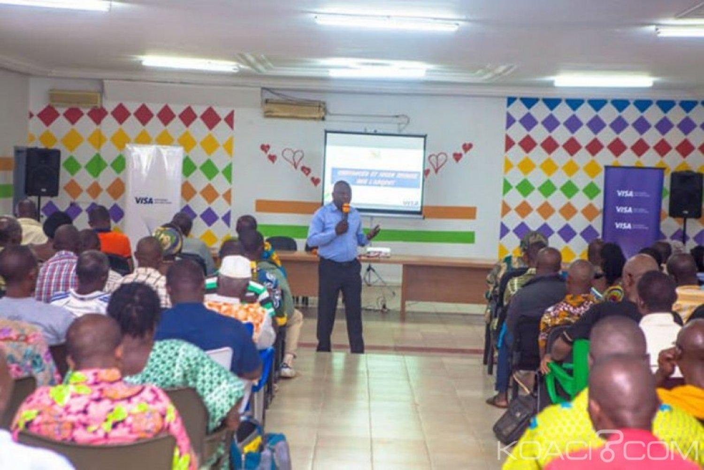 Côte d'Ivoire : Bouaké, COGES, commerçants et populations sensibilisés sur l'éducation financière pour une meilleure gestion des revenus