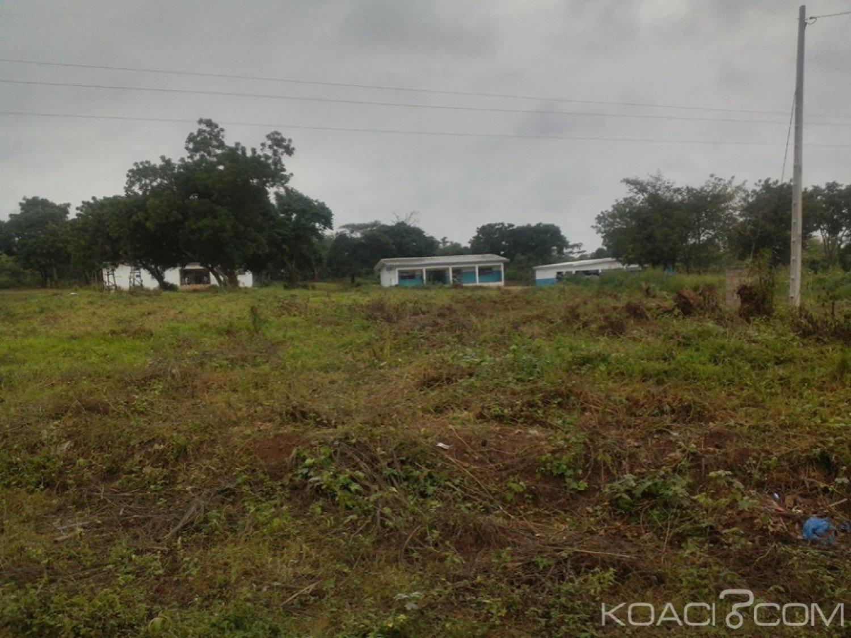 Côte d'Ivoire : Bouaké, des hommes en armes «perquisitionnent » plusieurs maisons dans la nuit de vendredi à samedi dans le village de Kouassiblékro