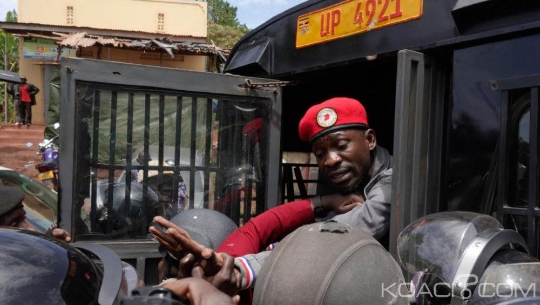 Ouganda : Bobi Wine  à nouveau arrêté alors qu 'il comptait se rendre à un concert interdit