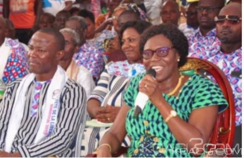 Côte d'Ivoire: À  Man, Simone Gbagbo fait les yeux doux à Bleu Lainé « le PDCI est en danger à Man, monsieur le ministre venez au FPI »