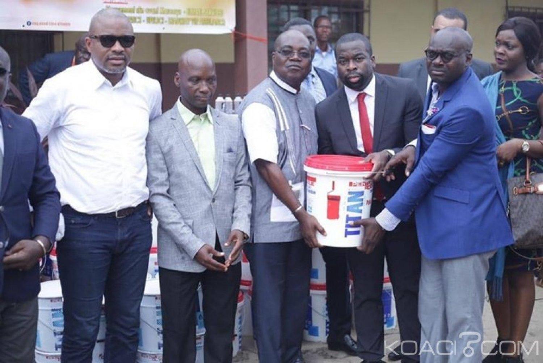Côte d'Ivoire : Un cadre de la Petroci fait don de centaine de pots de peinture au Lycée municipal de Marcory