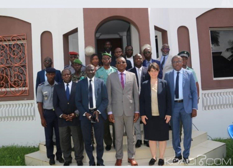 Côte d'Ivoire : La ComNat-ALPC et l'ONUDC renforcent leurs  capacités pour contribuer à l'amélioration de l'environnement sécuritaire