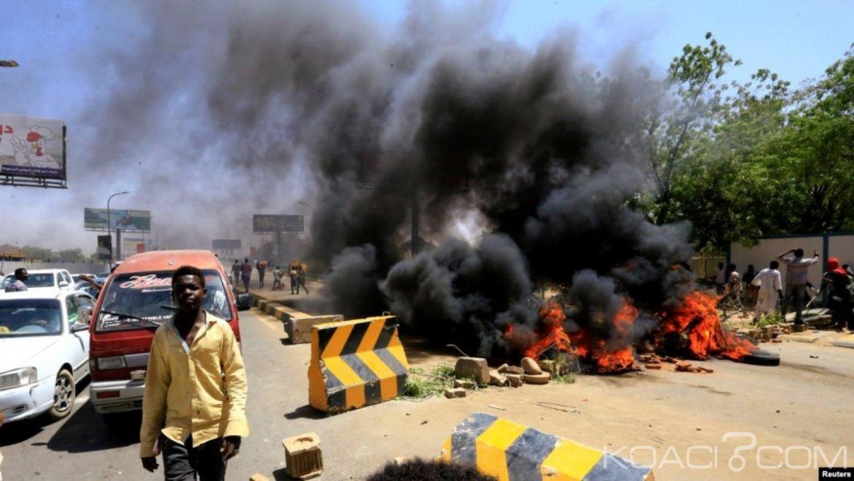 Soudan: Huit manifestants blessés par balles près du QG de l'armée, suspension des pourparlers