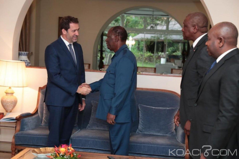 Côte d'Ivoire-France: Englué dans les gilets jaunes chez lui, le ministre de l'intérieur français vient respirer à Abidjan