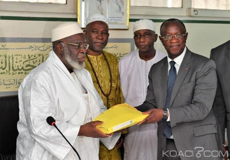 Côte d'Ivoire : Ramadan, Gon offre 10 millions de FCFA au COSIM et 10 tonnes de riz au musulmans de Toumodi
