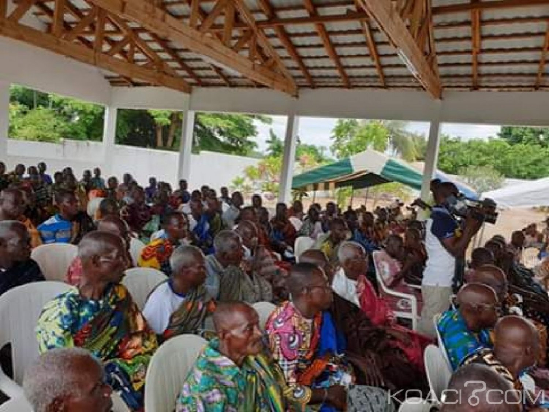 Côte d'Ivoire : Sakassou, contre les manœuvres de déstabilisation de la Reine du peuple Baoulé, un livre d'or mis en place par la royauté