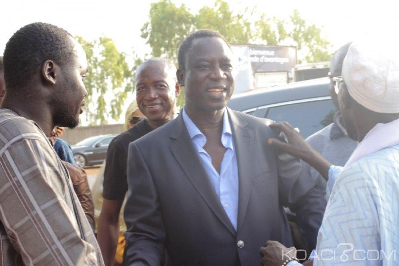 Sénégal : Affaire des faux billets, le célèbre chanteur Thione Seck et son présumé complice Alaye Djité relaxés par le tribunal