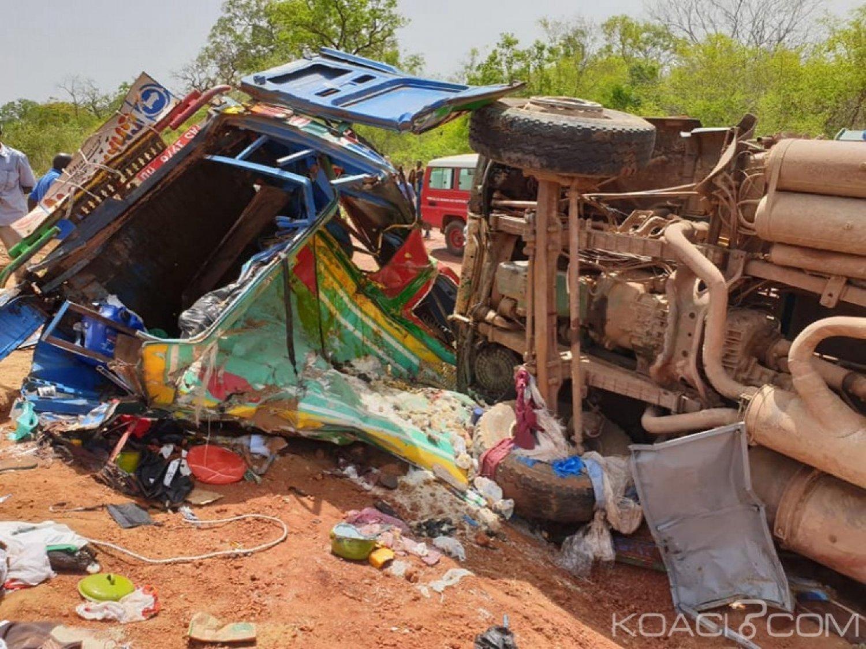 Mali: Un camion et un minibus entrent en collision, plus de 20 morts et 15 blessés graves