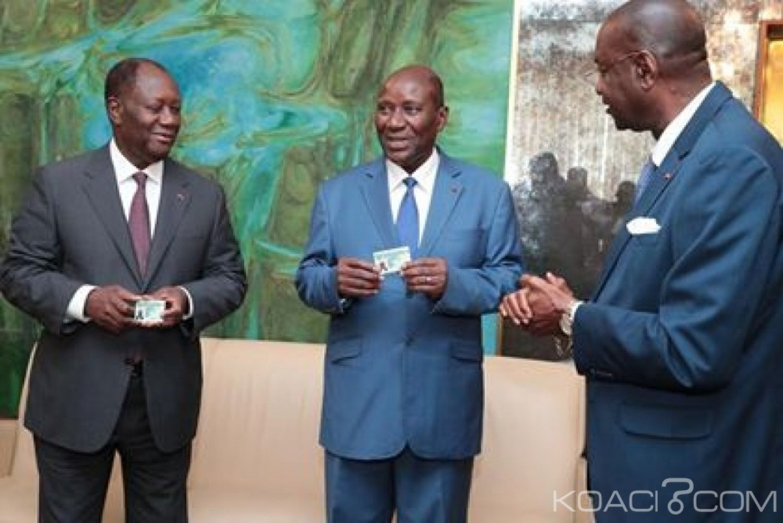 Côte d'Ivoire : Ouattara, son épouse, le Vice-Président et les membres du Gouvernement ont reçu leur carte de CMU, pour le démarrage des prestations le 1er octobre