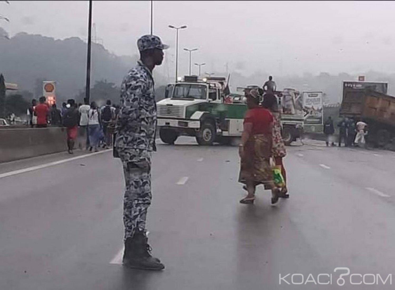 Côte d'Ivoire: La galère des usagers de Yopougon suite à la chute d'un camion sur l'autoroute