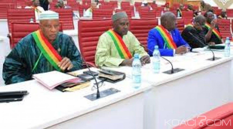 Mali: Le mandat des députés prolongé jusqu' en mai 2020