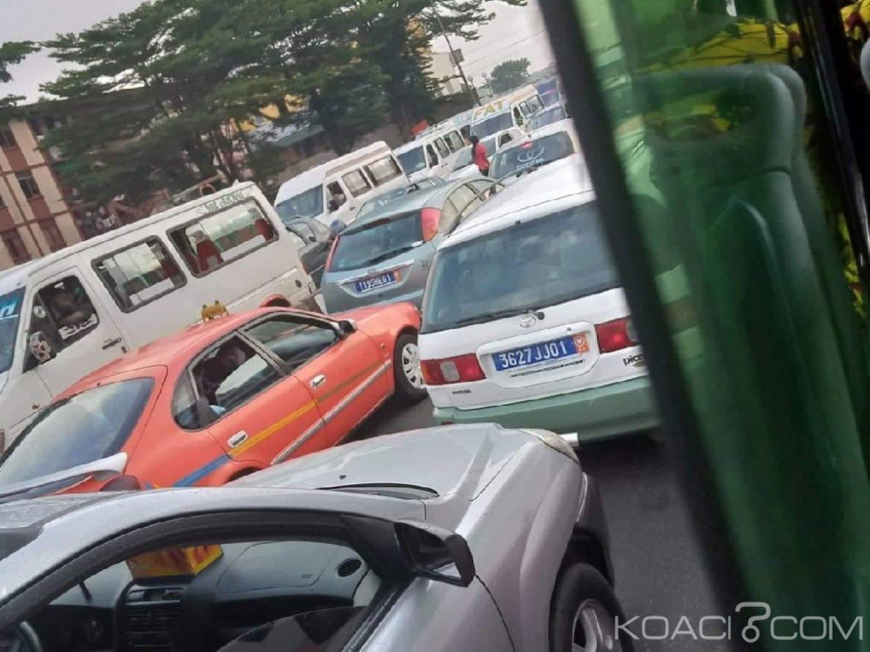 Côte d'Ivoire : Quand un nouvel accident sur l'autoroute perturbe la circulation dans le sens Yopougon-Adjamé