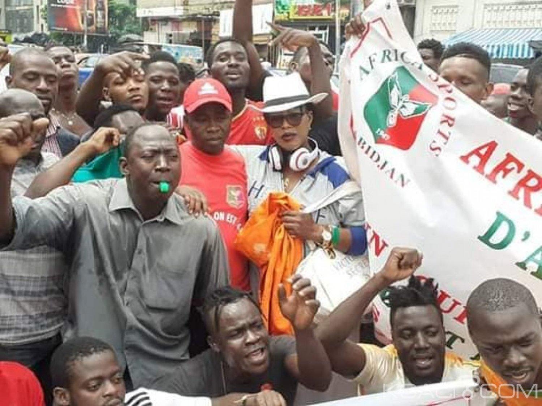 Côte d'Ivoire: Les supporteurs de l'Africa manifestent devant la FIF pour dénoncer l'ingérence de la fédération dans leur club