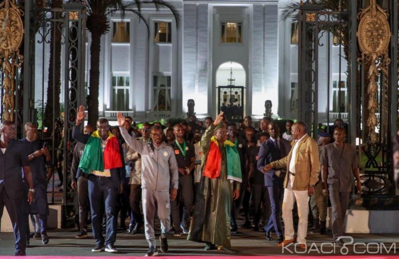 Sénégal: Vice-champions d'Afrique, les Lions accueillis par des milliers de personnes, une prime de 20 millions pour chaque joueur
