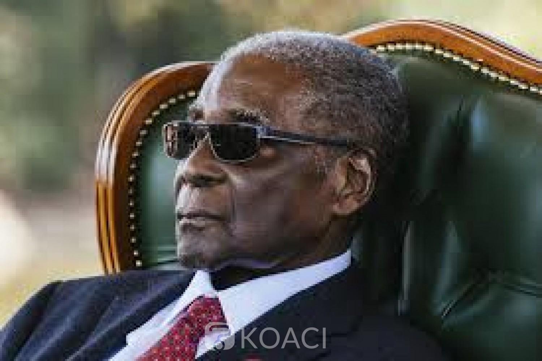 Zimbabwe : Robert Mugabe, en visite médicale prolongée à Singapour