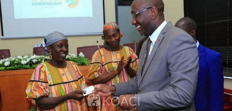 Côte d'Ivoire : Les premières cartes de commerçant remises par le ministre  Souleymane Diarrassouba, voici les avantages