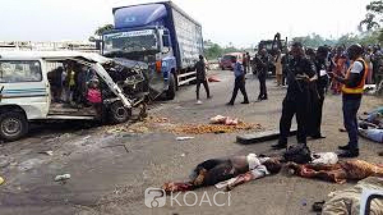 Nigeria:  17 morts dans la collision entre un camion et un minicar dans l'Etat du Kwara