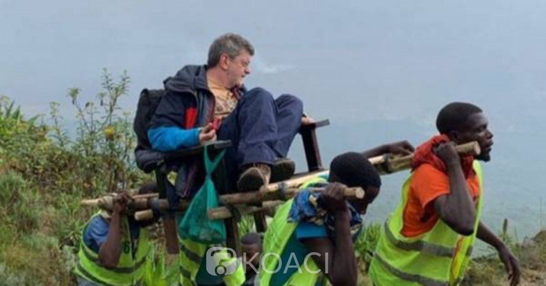 RDC:  La photo d'un touriste blanc assis sur une chaise à porteurs crée la polémique