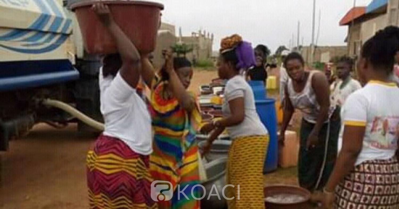 Côte d'Ivoire : Bouaké, en manque d'eau depuis peu, un quartier bénéficie d'une citerne offerte par la SODECI
