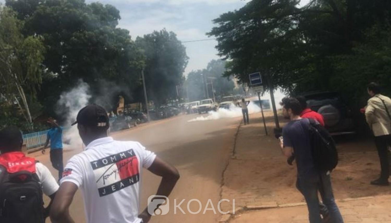 Burkina Faso: Une manifestation de syndicats dispersée au gaz lacrymogène