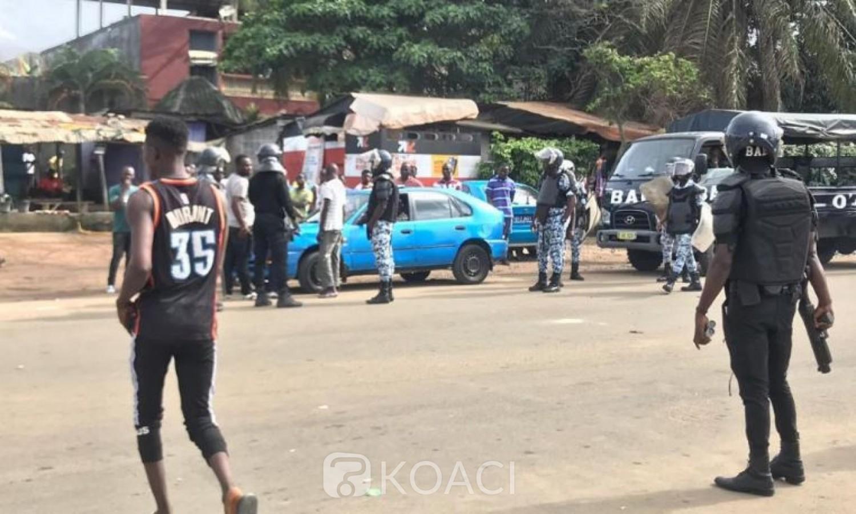 Côte d'Ivoire: À Yopougon, un chauffeur de taxi reçoit une balle dans le pied, ses amis manifestent et barrent les routes