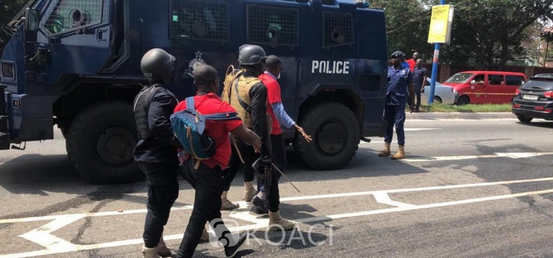 Ghana : Le gouvernement condamne les brutalités policières contre des étudiants à Accra