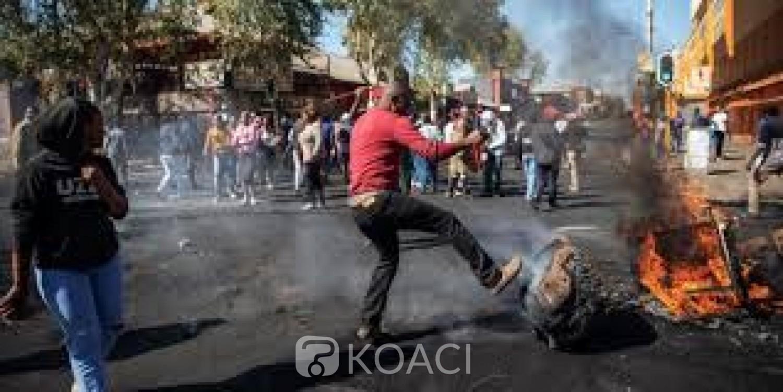 Afrique du Sud: Inquiets, des dizaines d'étrangers campent devant les locaux du HCR