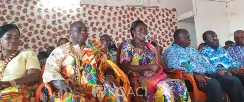 Côte d'Ivoire: En route pour Adzopé, Simone Gbagbo marque un arrêt à Yakassé-Mé et évoque «la fin»
