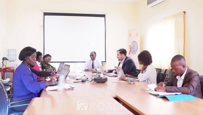 Côte d'Ivoire: Pr Ehui Eboi, Directeur Coordonnateur du PNLS: « Beaucoup de nos jeunes ne perçoivent pas la gravité du sida »