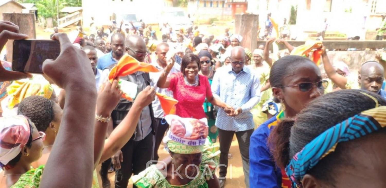 Côte d'Ivoire: Simone reprend ses tournées, à Nigui-Assôkô elle martèle «les populations doivent attacher leurs ceintures parce que le pays n'est pas dans la paix »