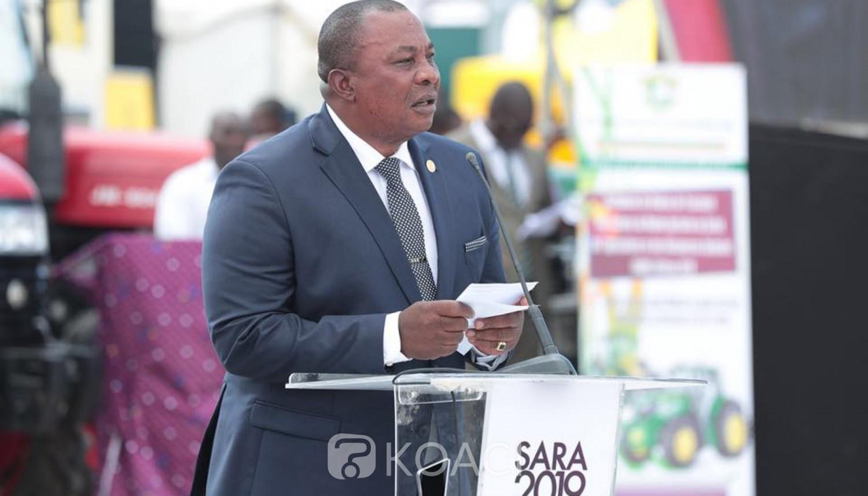 Côte d'Ivoire: SARA, Adjoumani transforme une cérémonie de remise de tracteurs aux agriculteurs en « meeting »du RHDP