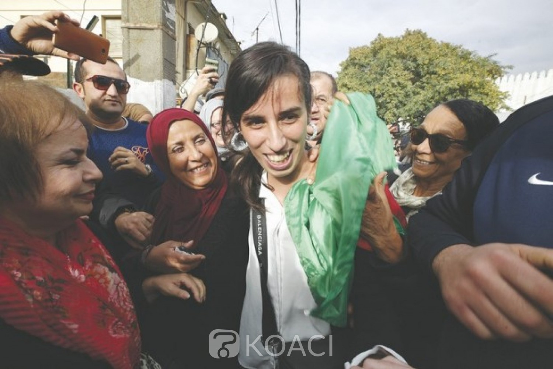 Algérie:  19 manifestants condamnés à 6 mois de prison pour avoir brandi un drapeau berbère