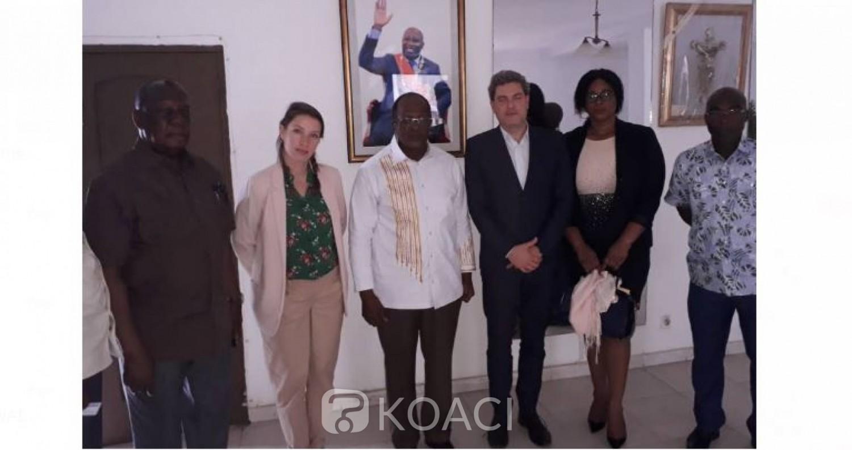 Côte d'Ivoire: L'association « Promediation » chez Ouégnin pour tenter de trouver des  solutions à la crise politique Ivoirienne avant 2020