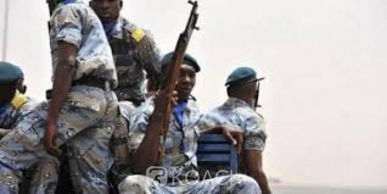 Mali:  Deux gendarmes tués dans une nouvelle attaque à Ménaka, hommage à Paris en présence d'IBK