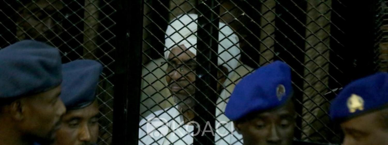 Soudan: Omar El Béchir condamné à  deux ans de prison ferme pour corruption